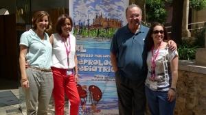 Víctor García Nieto junto con Concepción Mir, Mª Dolores Rodrigo y Esther Trillo nefrólogas infantiles de Baleares.
